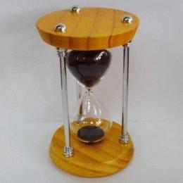 Деревянные песочные часы на 20 минут с черным песком
